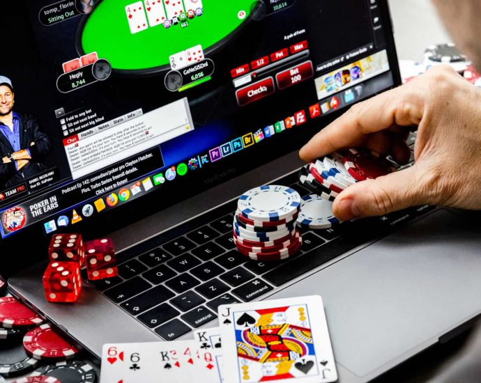 How Crucial Is Online Gambling? Well-informed Quotes