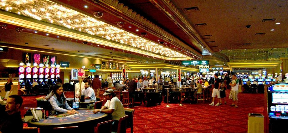 Ways Online Casino Can Drive You Bankrupt