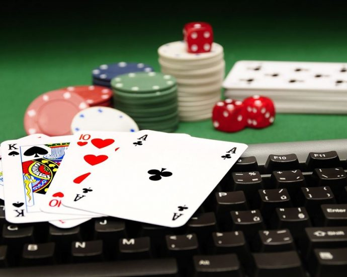 What You Possibly Can Study From Invoice Gates About Online Casino