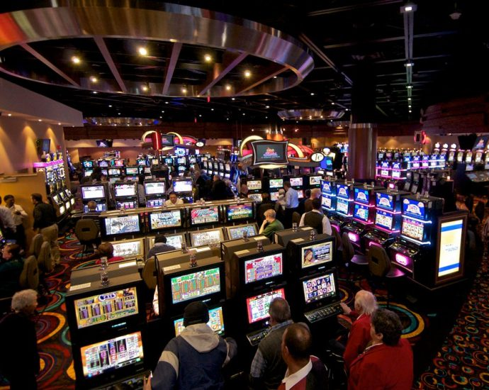 Why Everything You Learn about Online Gambling Is A Lie