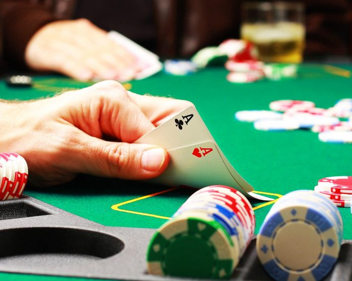 Online Gambling Accounts To Observe On Twitter